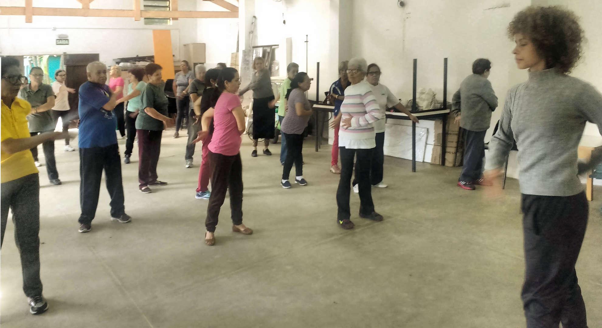 Aula de de I Qi Gong na Fundação Julita